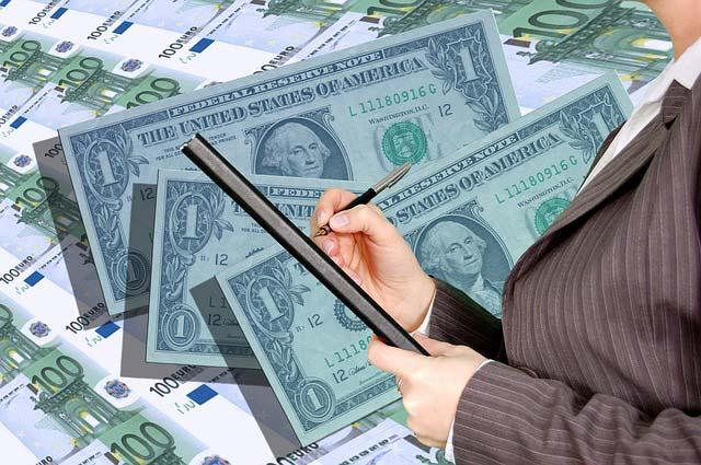 החזר מס הכנסה לשכירים - מי מטפל בזה?